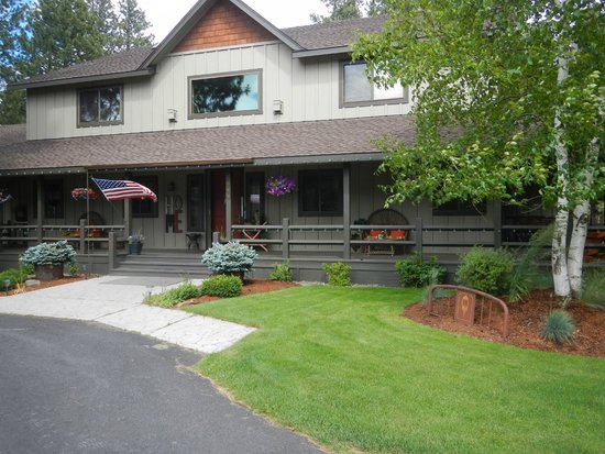 Blue Spruce Bed and Breakfast : B & B entrance