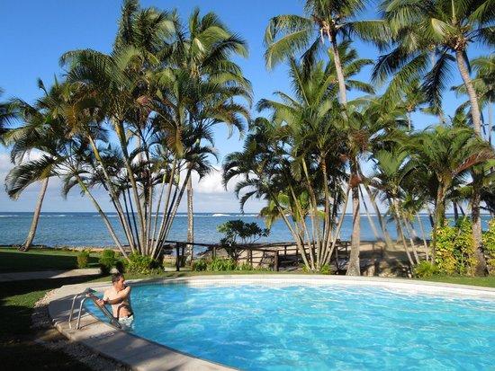 Tambua Sands : Pool Views