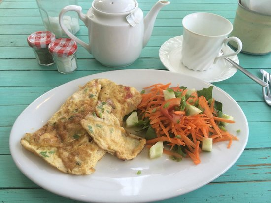 Upstairs Cafe: YUM! Scrambled eggs and salad