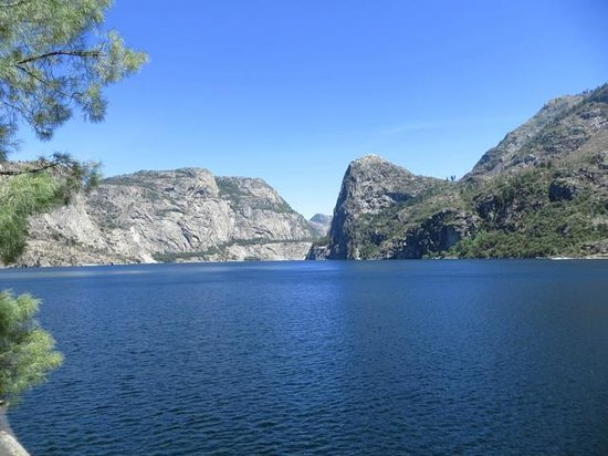 Hetch Hetchy Reservoir: Kolana Rock & Hetch Hetchy from the trail