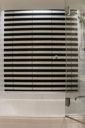 QT Gold Coast: Shower has a great black & white tile.