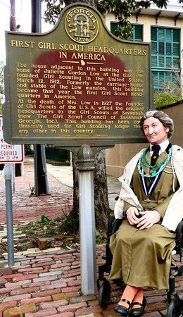 Girl Scout First Headquarters : Enter by the side gate....look for the historic marker