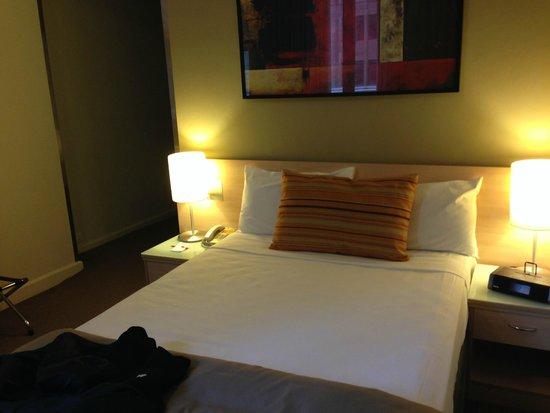 Travelodge Hotel Sydney Wynyard : standard double room