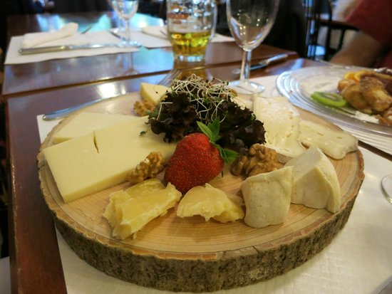 Rebstock Restaurant: The cheese plate.