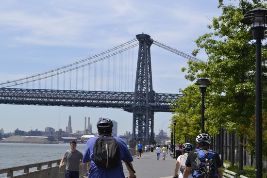 Bike the Big Apple : Biking on Manhattan water front