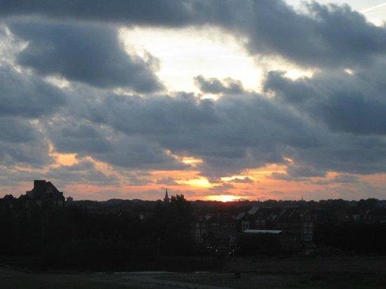 Hilton Garden Inn Leiden: Our evening views