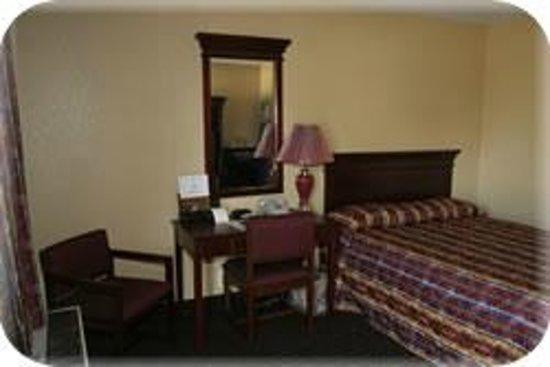 Sunbelt Lodge : Queen Bed