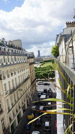 Hotel Le Pradey: View of royal palace garden to the right