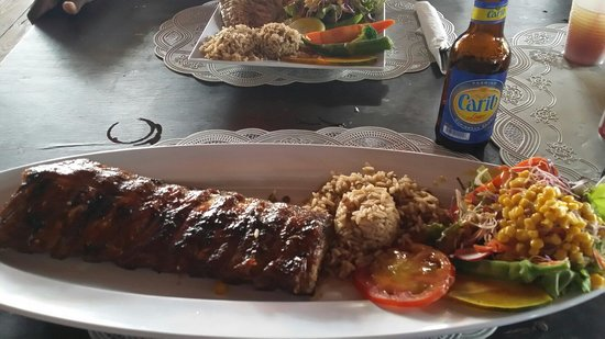 Sunshine's Beach Lounge: Tasty Ribs