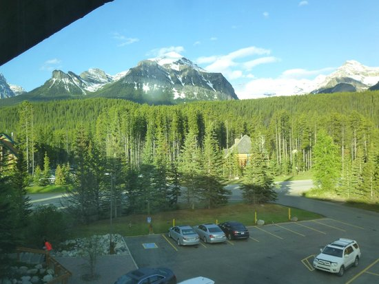 Lake Louise Inn : View from window