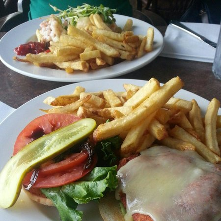 The Shady Rest Waterfront: Shrimp melt and Oceanwise Burger