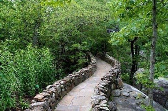 Rock City Gardens: A narrow path...