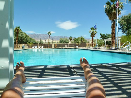 Furnace Creek Inn and Ranch Resort : lovely pool!