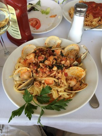 Franco's Metro: Clams, shrimp and red sauce.