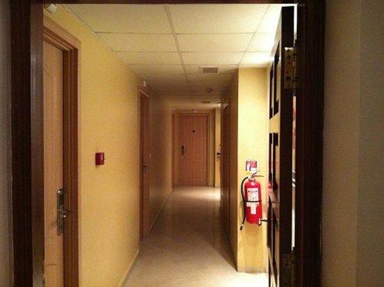 Hotel Dar El Ikram : passage way to rooms