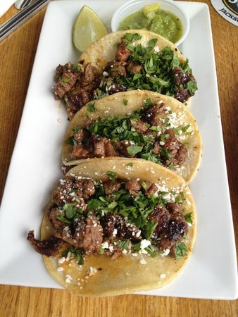 Snake River Brewing: steak tacos