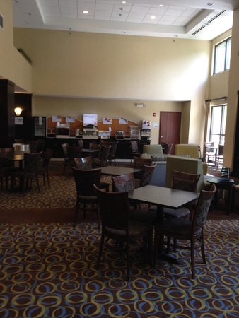 Holiday Inn Express: Dining area