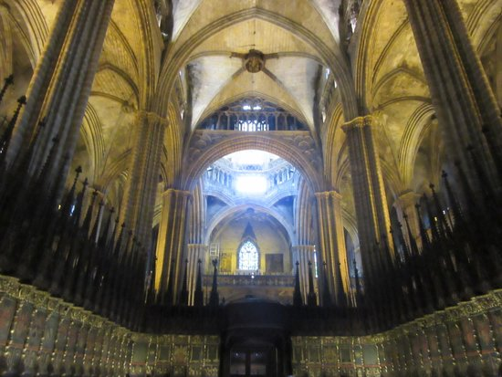 Barcelona Cathedral: 内部はあっさり?しています。