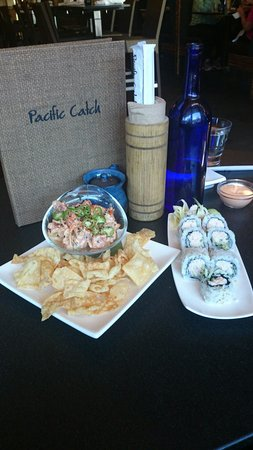 Pacific Catch : California Roll and Poke...yummy!!!