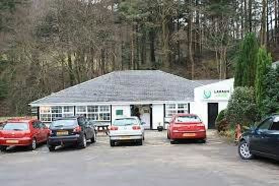 Laragh Lodge: Large Lodge restaurant at Glenariff, County Antrim.