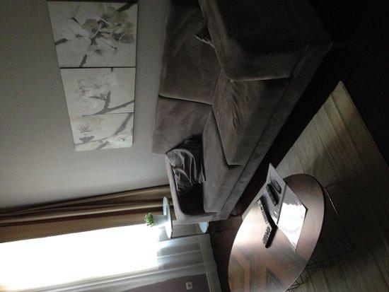 Miel Suites: living room