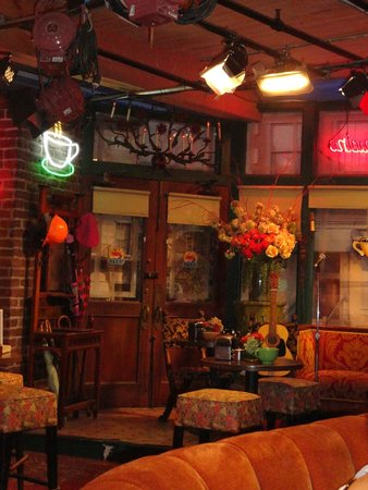 Warner Bros. Studio Tour Hollywood : central perk!
