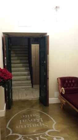 Spagna Royal Suite Rome: entry to floor