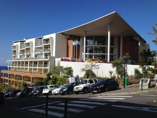 Pestana Promenade Ocean Resort Hotel: Entrée de l'hôtel