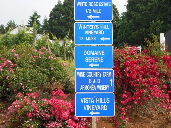 Wine Country Farm: close to many wineries!