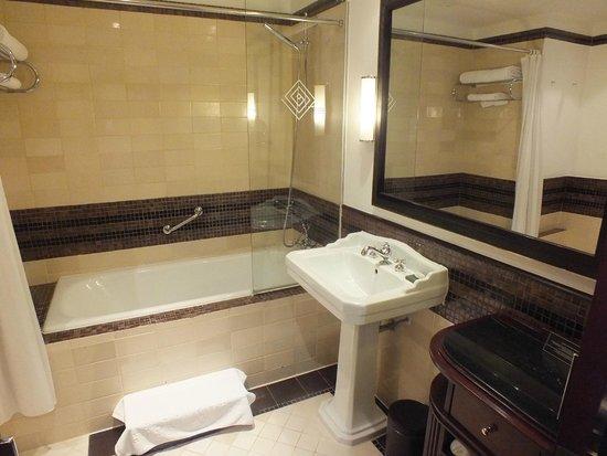 La Residence Hue Hotel & Spa - MGallery by Sofitel : Bathroom