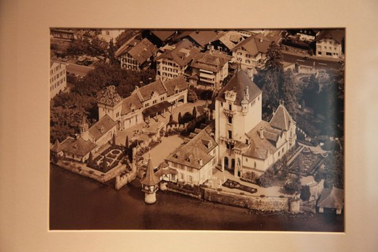 Castillo Oberhofen: Aerial photo of castle