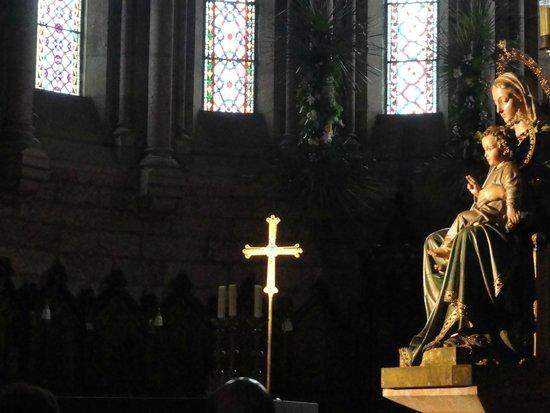 Interior de la Basílica De Santa María la Real de Covadonga