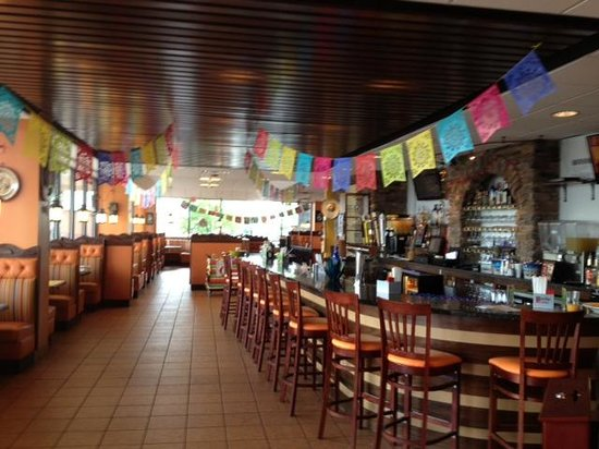Monte Alban Mexican Grill: Front area of restaurant