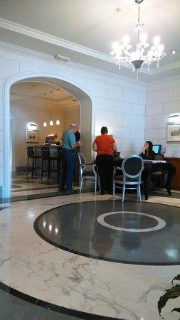 Hotel Principe Torlonia : Recepção e bar