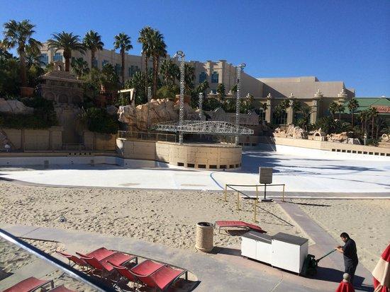 Four Seasons Hotel Las Vegas: Piscina de ondas do Mandalay Bay (desativada para reforma no momento da foto)