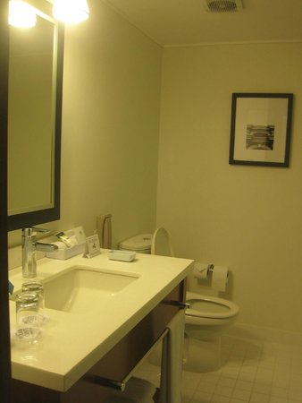 Four Points By Sheraton Miraflores: Bathroom