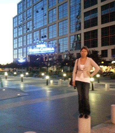 Hotel Exe Plaza: Поздняя прогулка