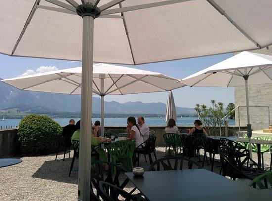 Restaurant Schloss Oberhofen: View of terrace
