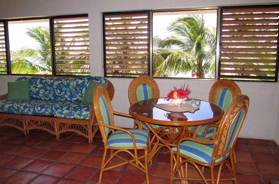 Harbour Club Villas & Marina: Dining area overlooking the lake with seating for four