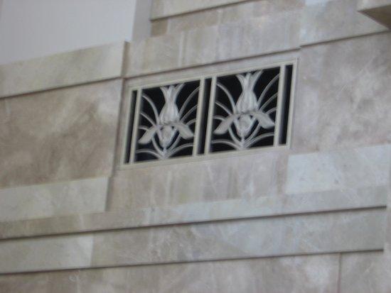 Schermerhorn Symphony Center: vent decorations