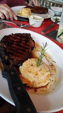 Frankie Bones Restaurant and Lounge: Ribeye medium rare; just right!