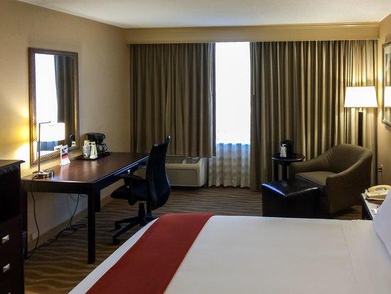 Holiday Inn Express Atlanta-Kennesaw : King Room