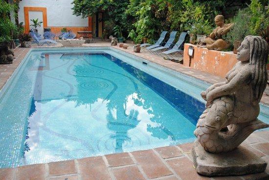 Casa de los Tesoros: Pool Courtyard