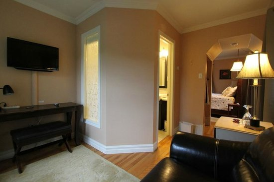 The Stella Rose B&B: Sitting room of Sunset Suite