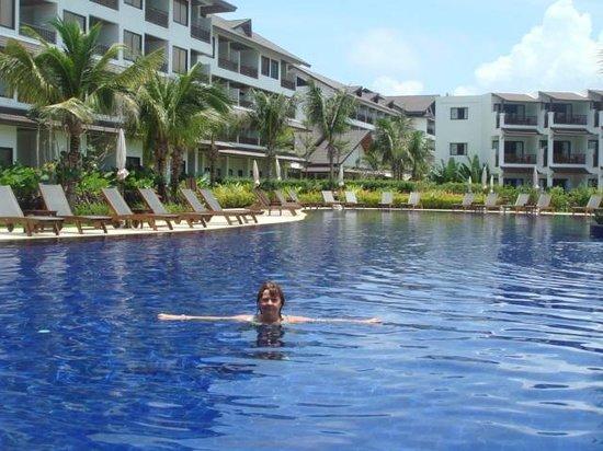Swissotel Resort Phuket Kamala Beach: Бассейн