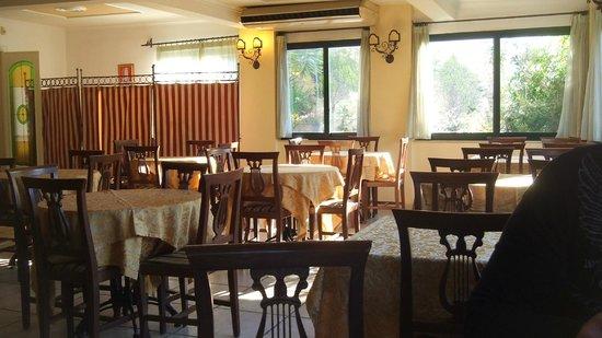 Villa Linda: Breakfast area