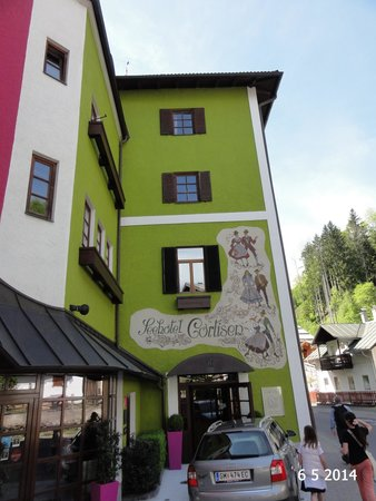Hotel Cortisen am See: The front of the hotel