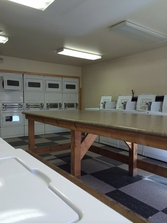 Zion Canyon Campground: Laundry rooms $2.00 a load.