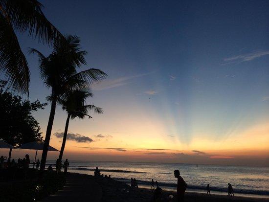 Bali Garden Beach Resort: suset view