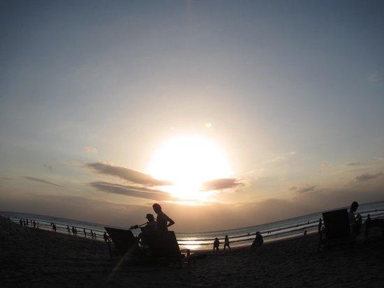 Bali Garden Beach Resort: Sunset on the beach